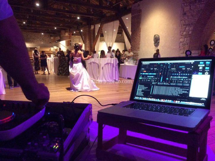 Primo ballo con DJ set