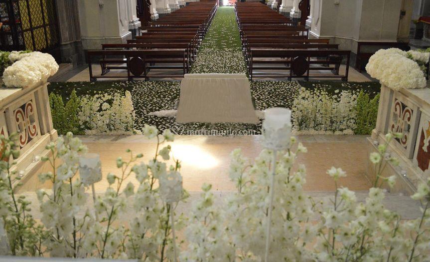 Un prato di fiori in chiesa
