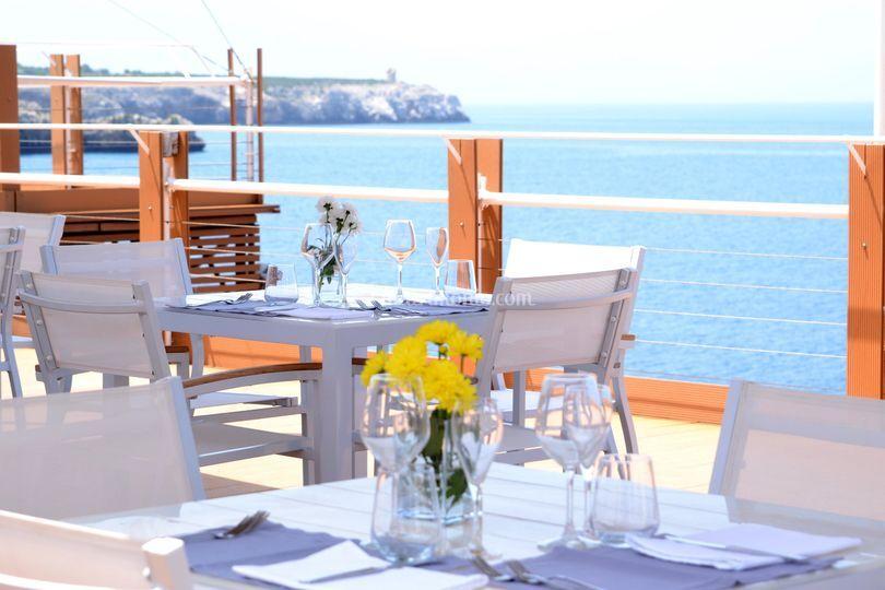 iCLUB Lounge Restaurant