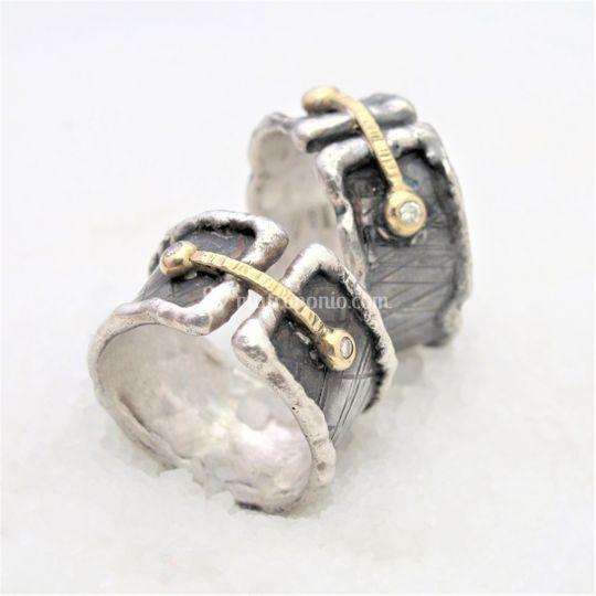 Argento battuto,oro e diamanti