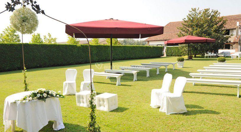 Allestimento giardino di casa bastia foto for Allestimento giardino matrimonio