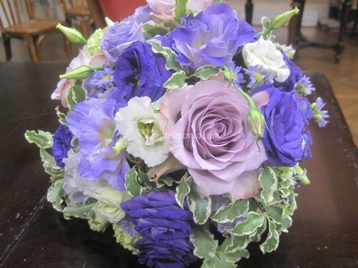 Dettaglio sfera lilla e viola