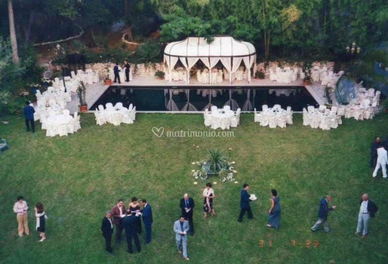 Un matrimonio bordo piscina di villa anna maria de - Piscina san giuliano milanese ...