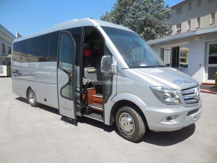 Minibus 20 posti