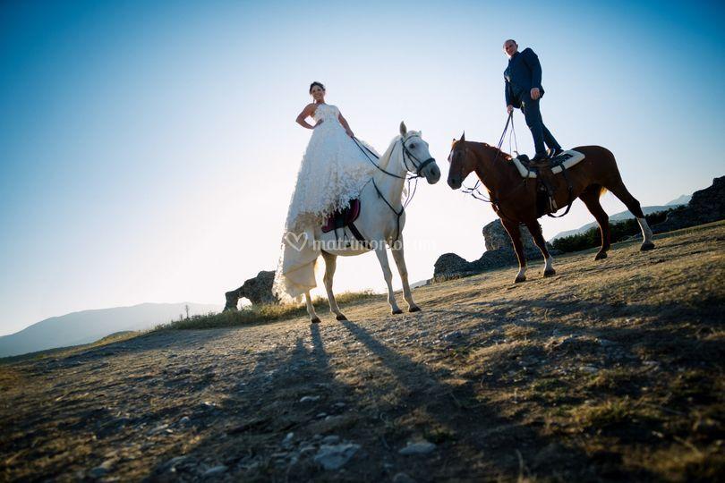 Sposi con i loro cavalli