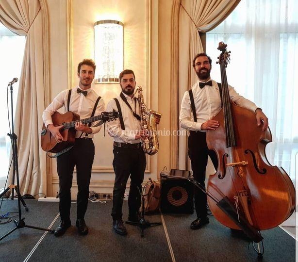 Trio Swing