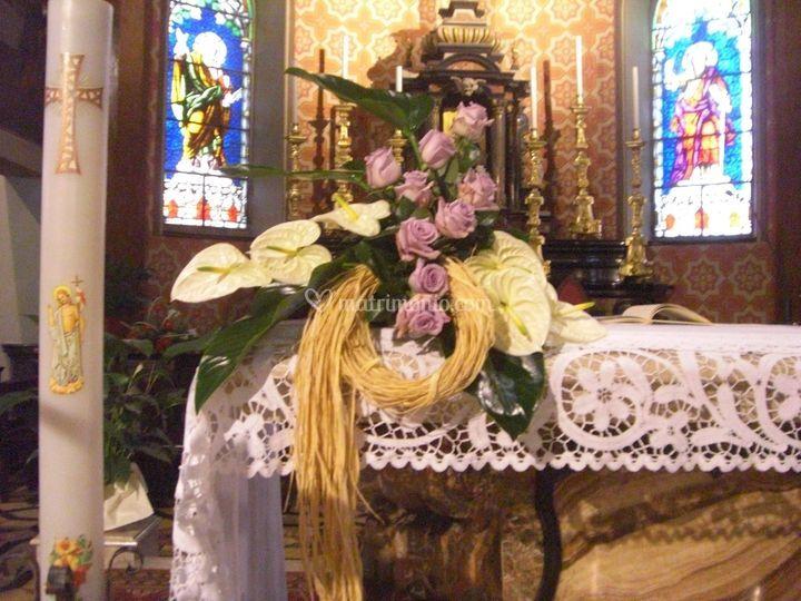 Addobbo altare chiesa