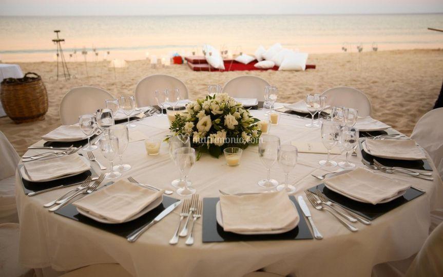 Matrimonio In Spiaggia Taranto : Petali di rosa