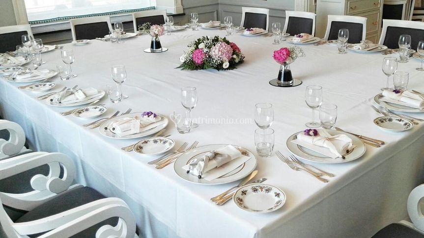 Tavolo unico nozze Megaris