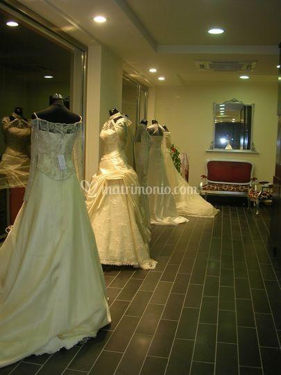Interno negozio 1 piano di montanti spose foto 6 - Costo ascensore interno 1 piano ...