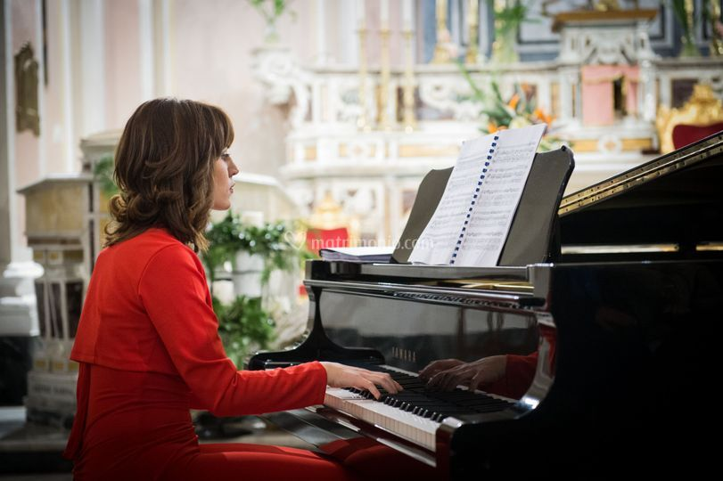 Lorena Oliva Pianist