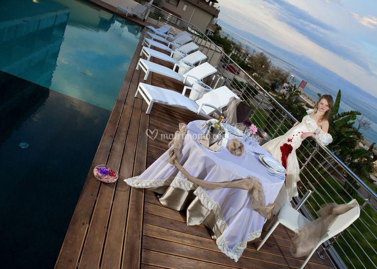 Foto sposi in piscina