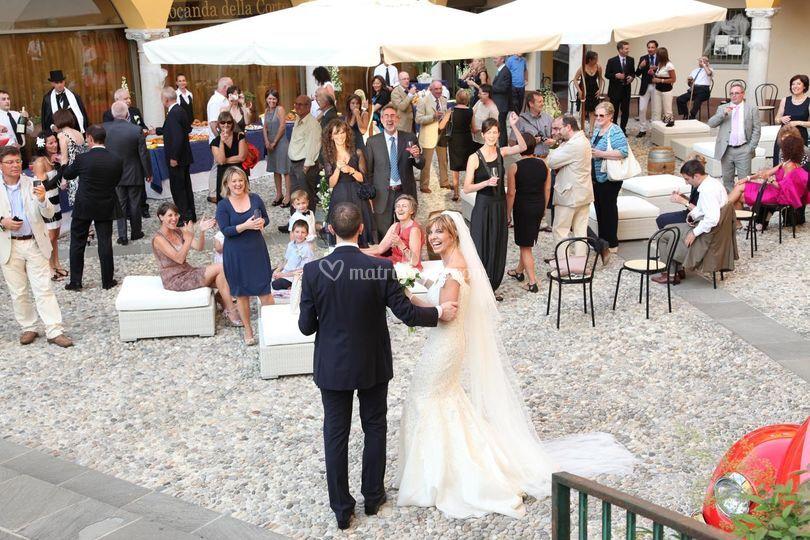 Gli sposi nella Corte Esterna