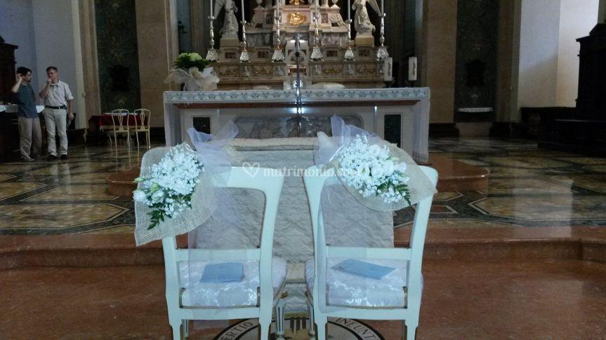 Allestimento sedie sposi