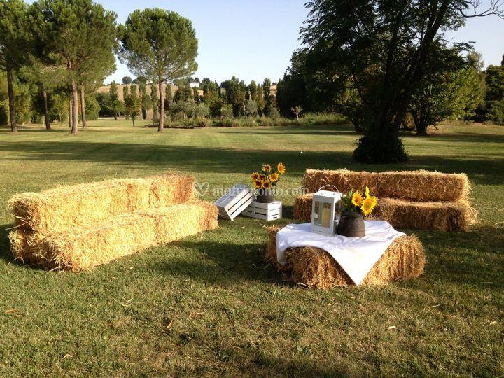Country house le case for Allestimento giardino