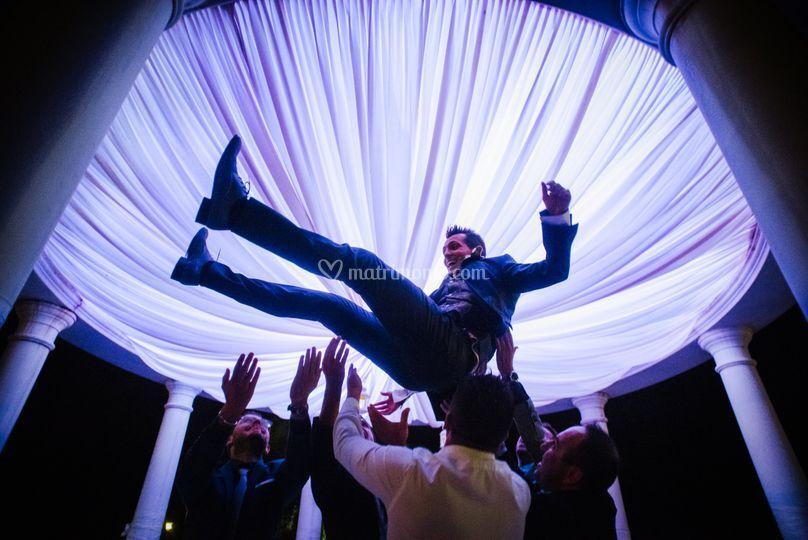Lo sposo vola