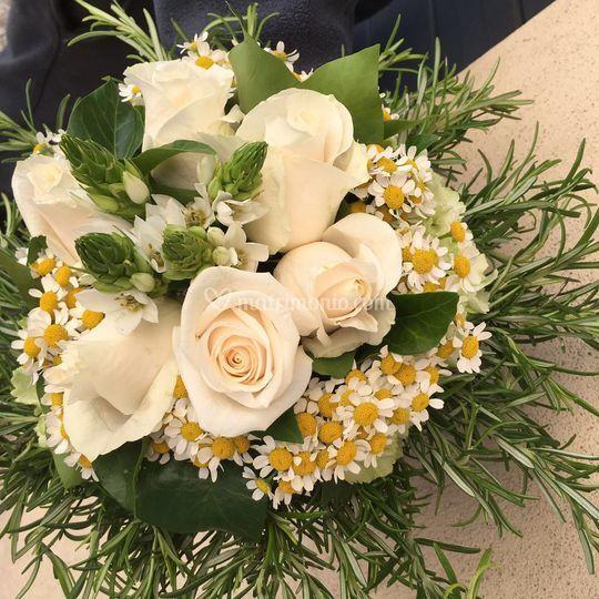 Bouquet con camomilla
