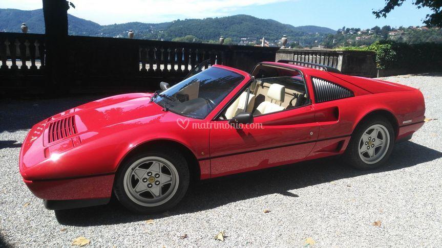 Ferrari in villa...