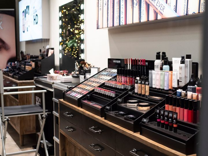 Kabuki Make-up Center