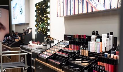 Kabuki Make-up Center