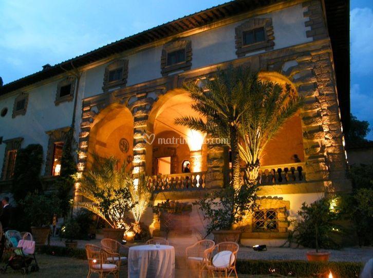 Illuminazione scenografica per matrimonio a Firenze