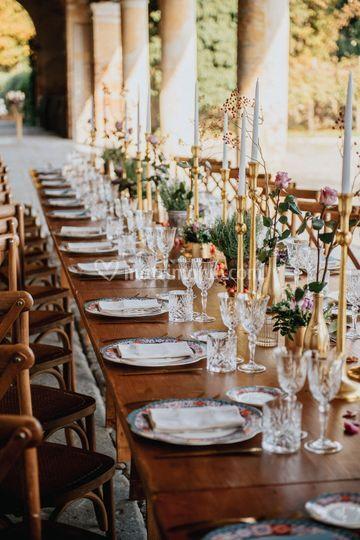 Tavolo legno e oro