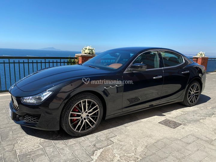 Maserati Ghibli nero