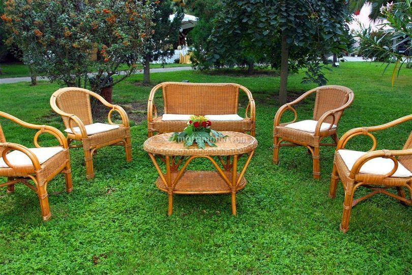 Alcuni dei modelli di sedute che proponiamo a noleggio