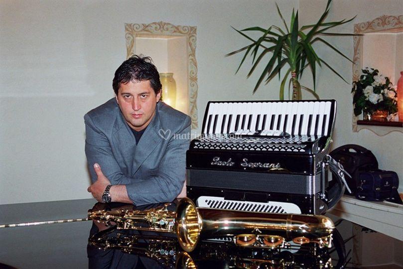 Mauro polistrumentista
