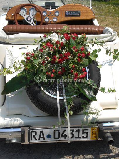 Composizioni floreali per auto