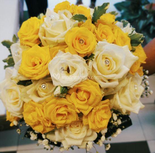 Bouquet con roseline 2