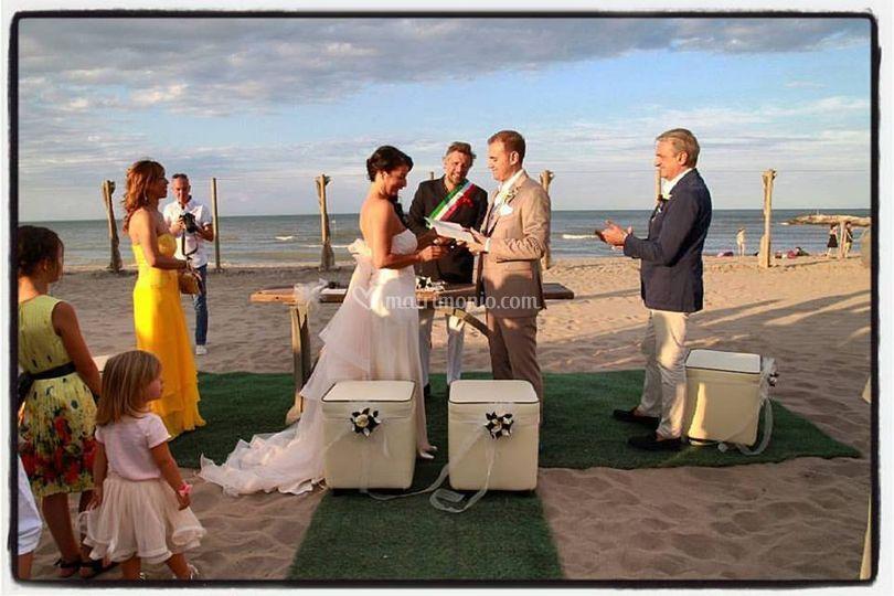 Matrimonio Simbolico Sulla Spiaggia : Adwedding