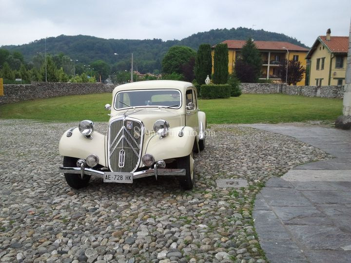 Citroen traction 11b, avorio