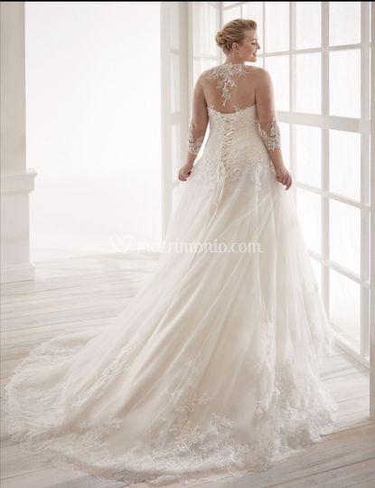 Nicole wedding curves
