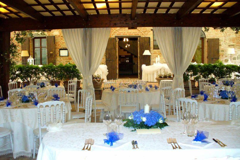 Tavoli sedie bianche