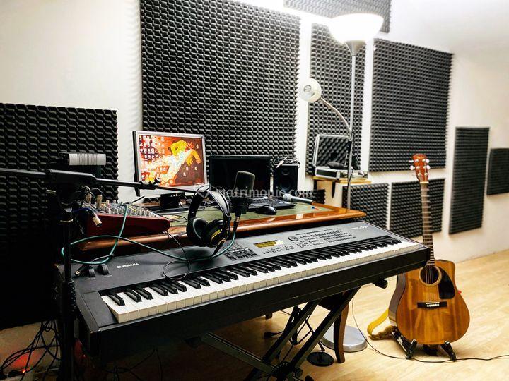 Equipment studio