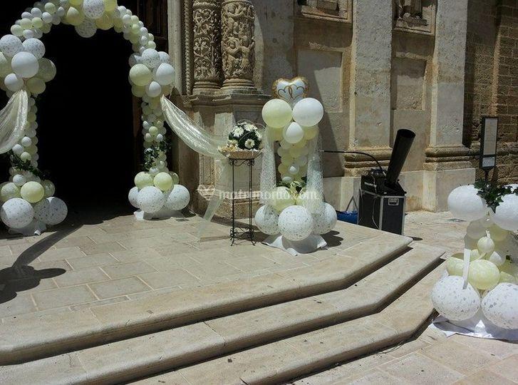 Decorazione ingresso chiesa