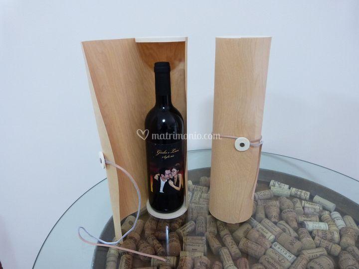 Bottiglia con astuccio legno