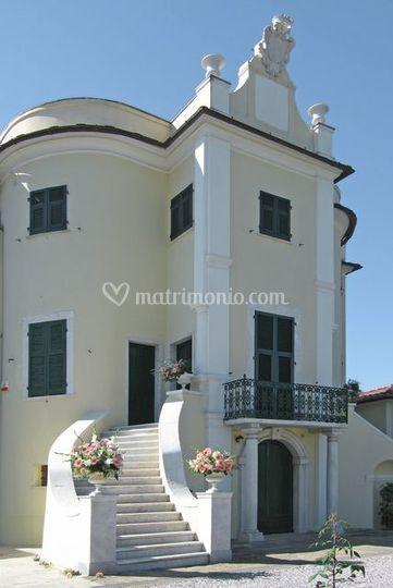 Facciata Villa Pratola