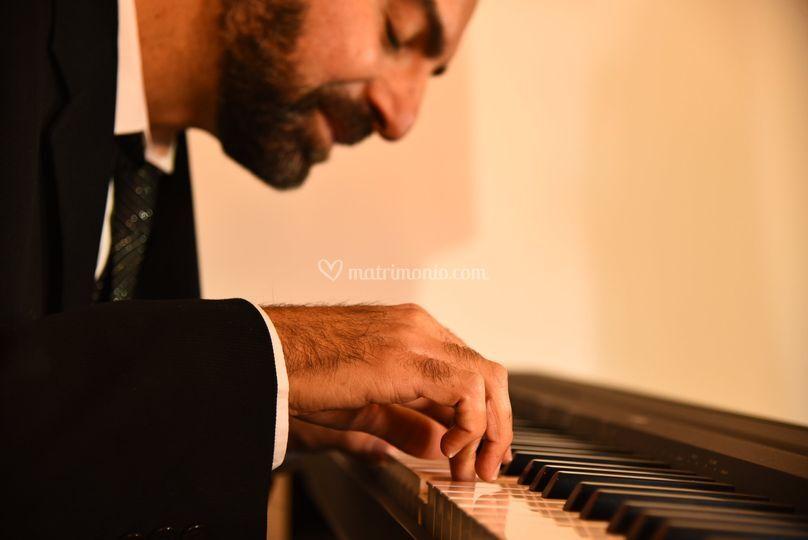 Enzo Pone - Piano