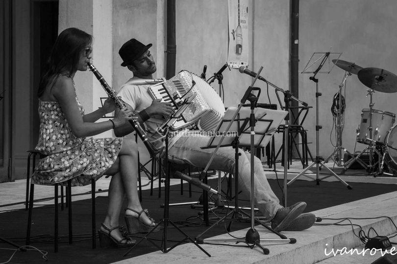 Duo acustico musica francese