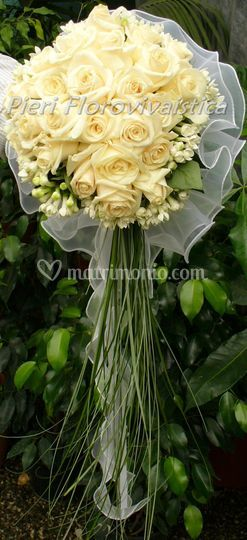 Bouquet cuore rose bouvardia
