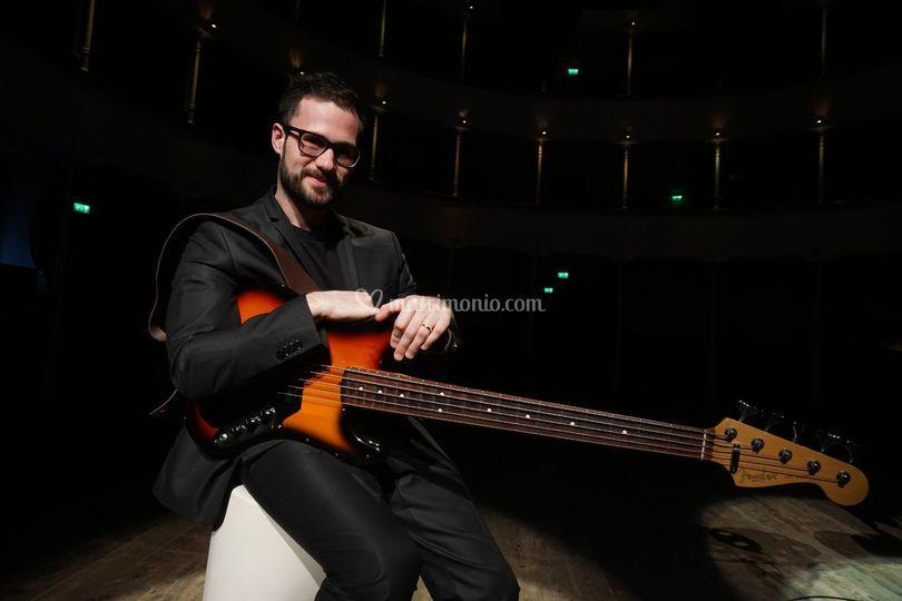 The weddingers bass: mario
