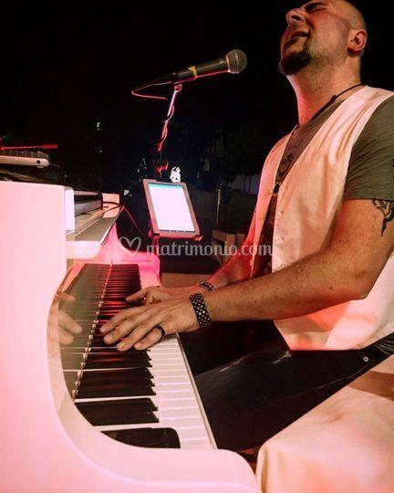 ...suonare un pianoforte....