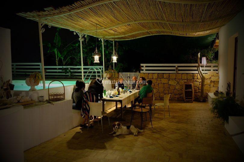 La terrazza di sera