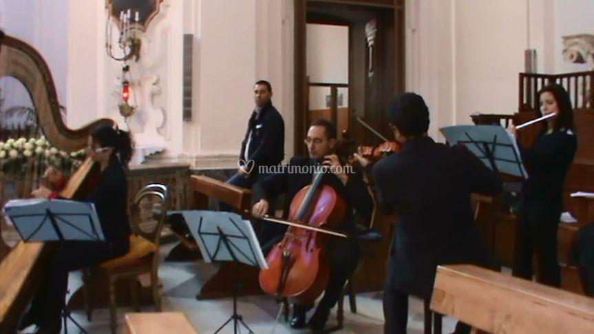 Arpa, violino, violoncello, flauto e voce