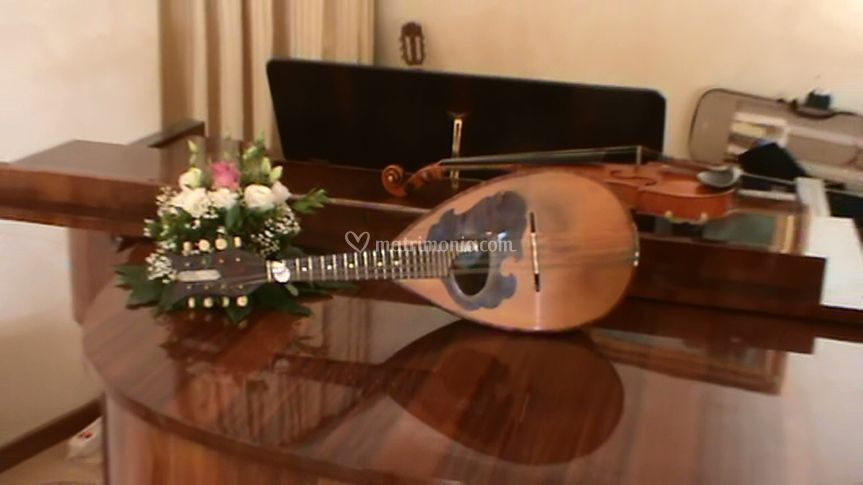 Pianoforte, violino e mandolino