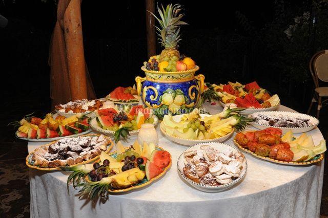 Buffè frutta e dolci