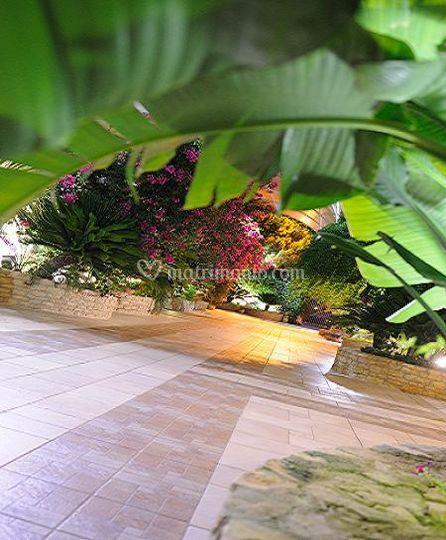 Angoli di giardino di sala ricevimenti mastromarco foto 2 for Foto angoli giardino