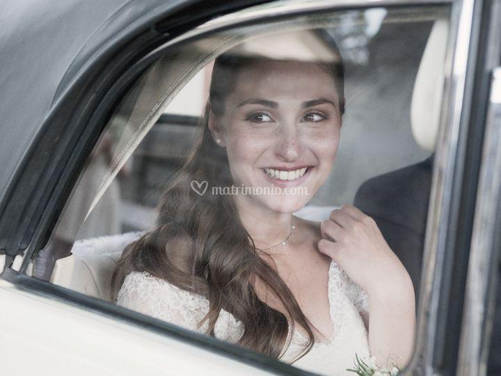 La sposa sull'auto